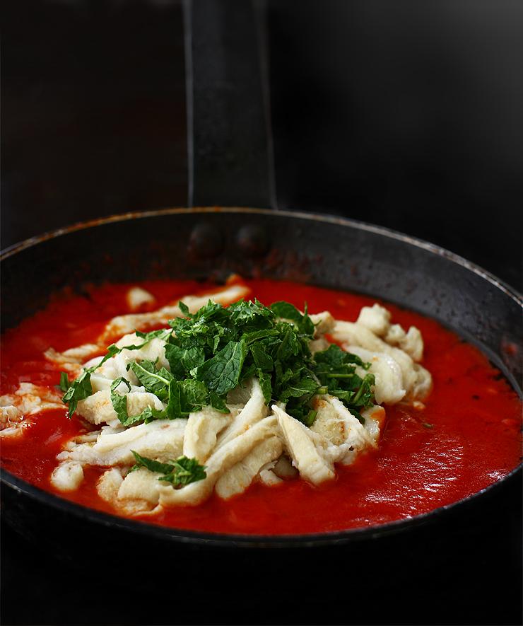 burta de vita in sos de rosii trippa alla romana reteta pas cu pas adaugare burta si menta in sosul de rosii