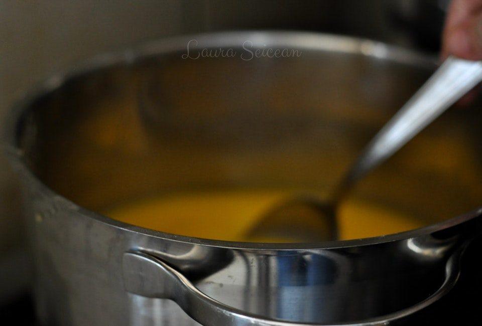 Preparare Prăjitura Fanta - prăjitură de casă cu brânză și jeleu de portocale 16