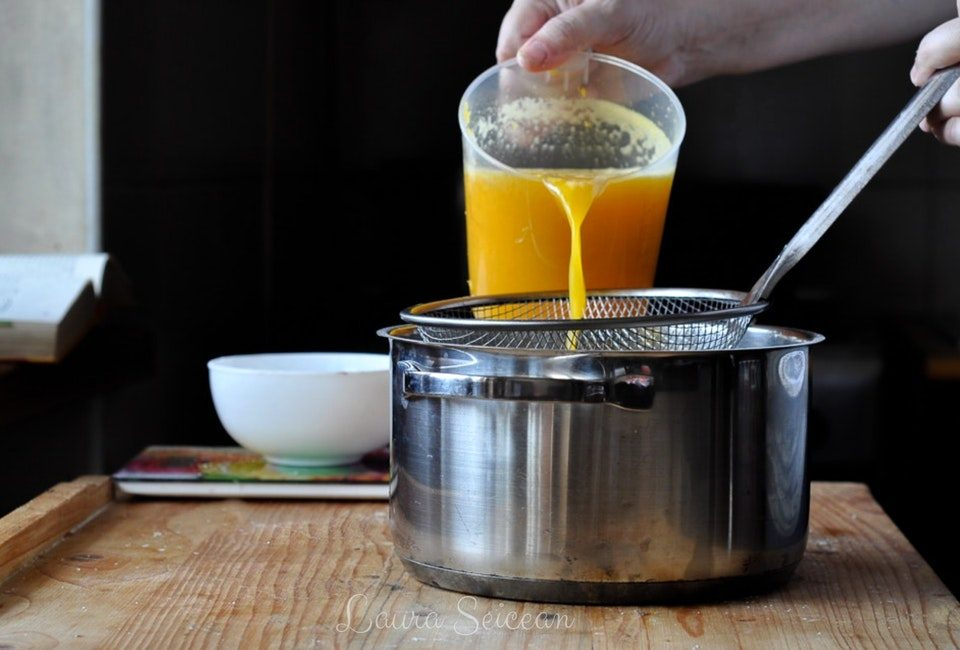 Preparare Prăjitura Fanta - prăjitură de casă cu brânză și jeleu de portocale 15