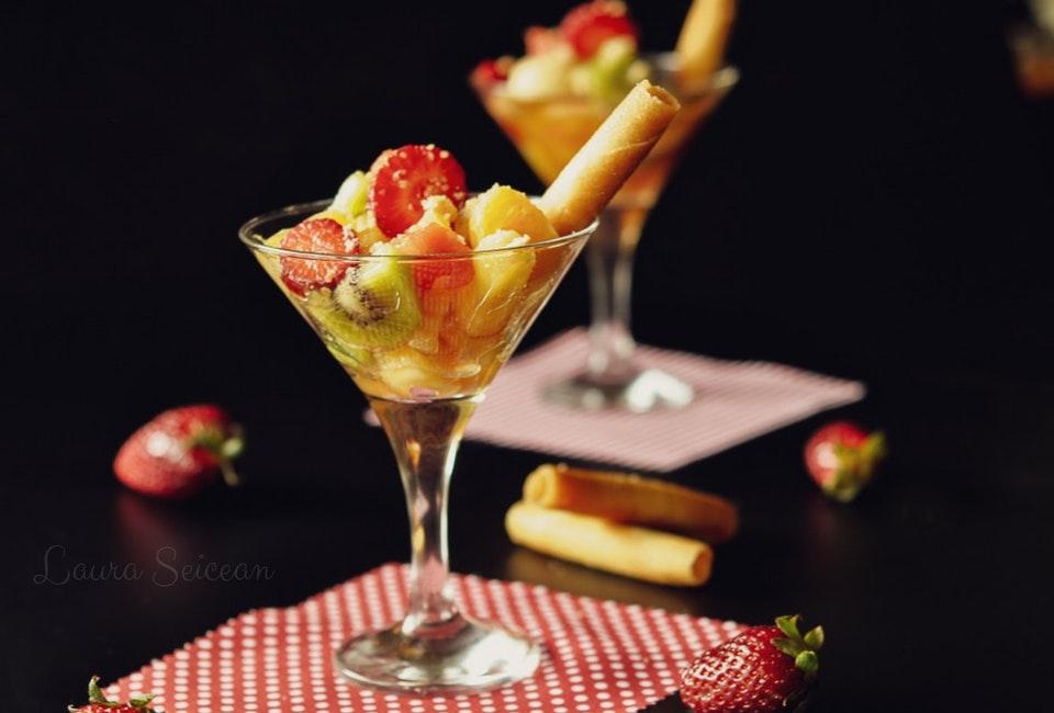 Salata de fructe - rețetă simplă dar delicioasă, desertul cel mai ușor de preparat