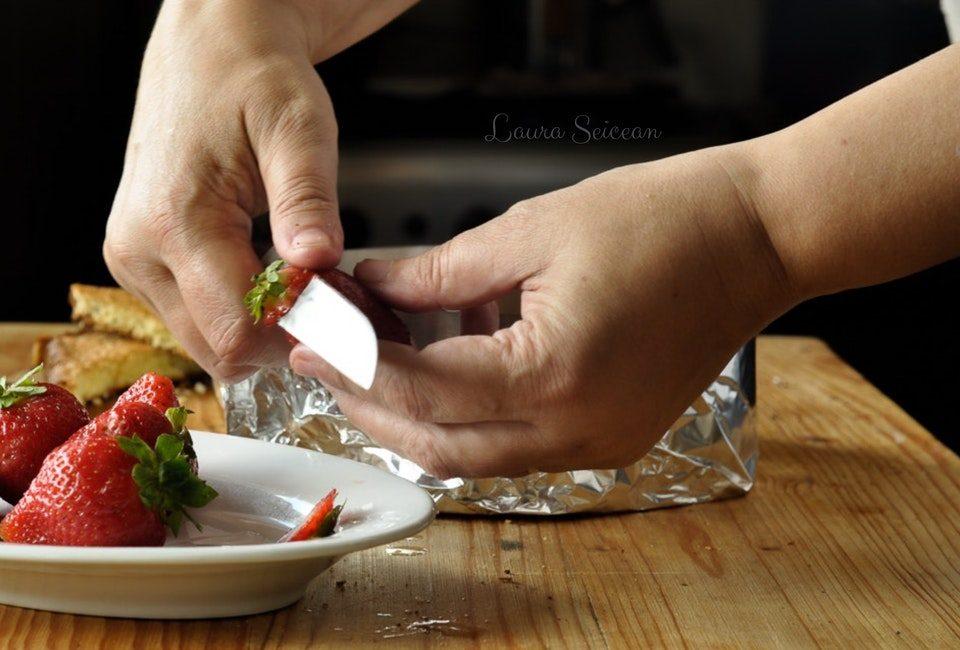 Preparare Cheesecake cu mascarpone și căpșuni 7