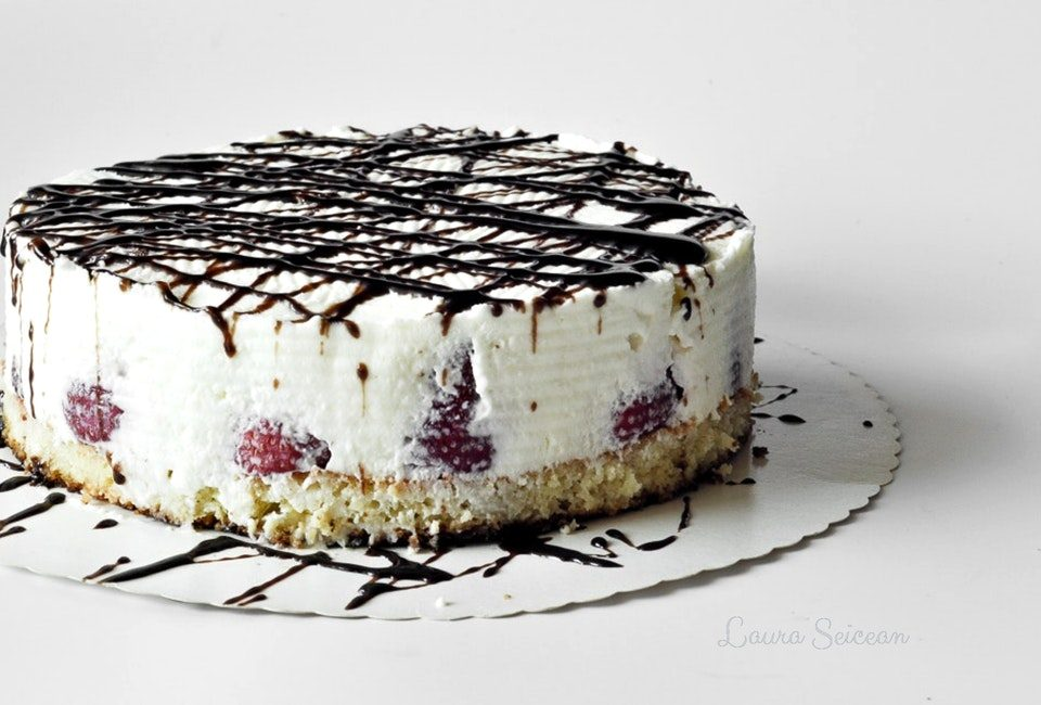 Preparare Cheesecake cu mascarpone și căpșuni 19