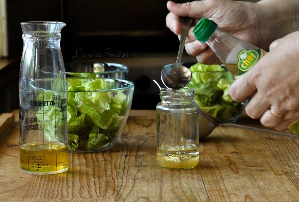 Preparare Salată verde în trei variante de dressing 13