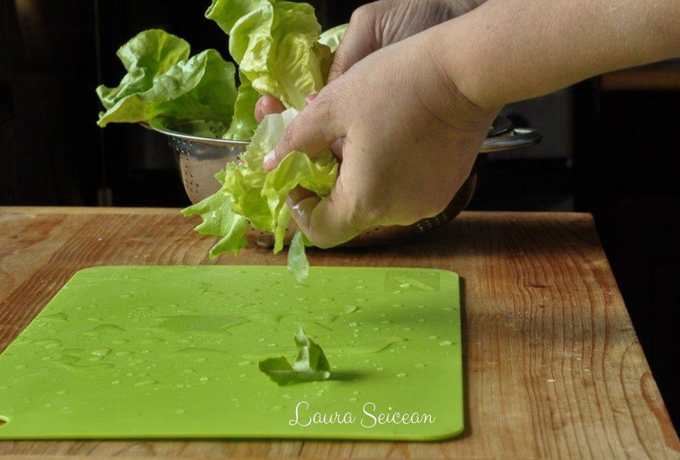 Preparare Salată verde în trei variante de dressing 2