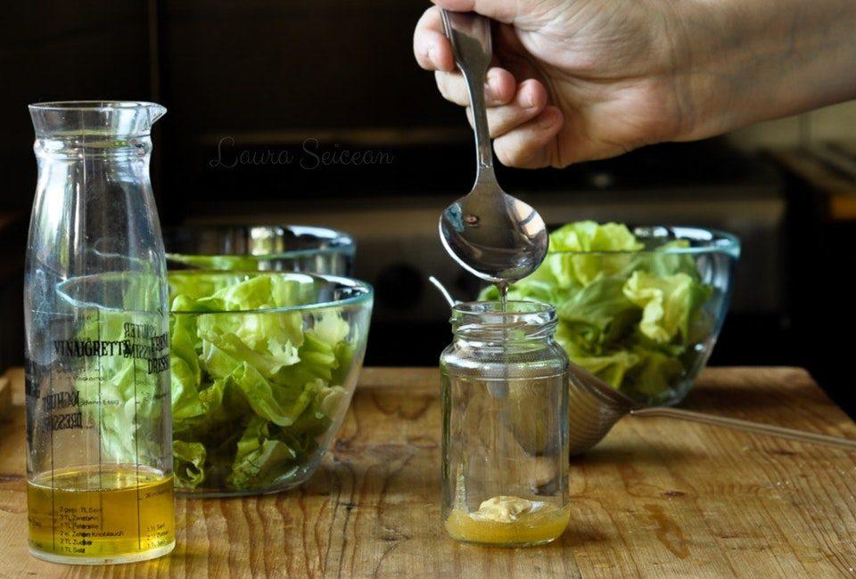 Preparare Salată verde în trei variante de dressing 10
