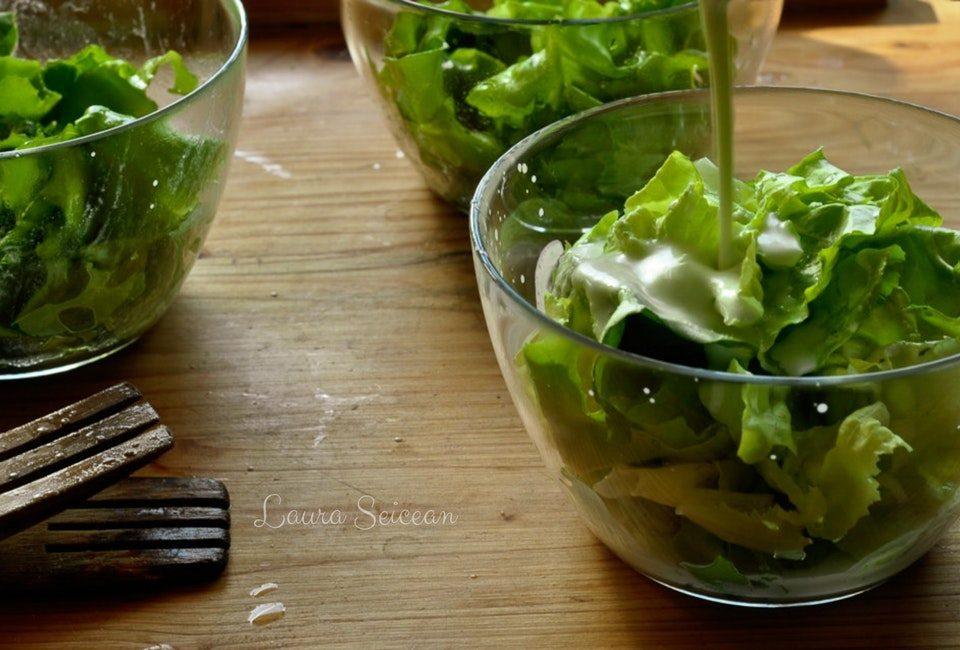 salata verde cu dressing de iaurt