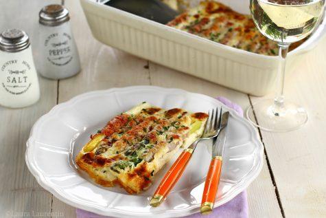 Sparanghel la cuptor, cu șuncă și brânză