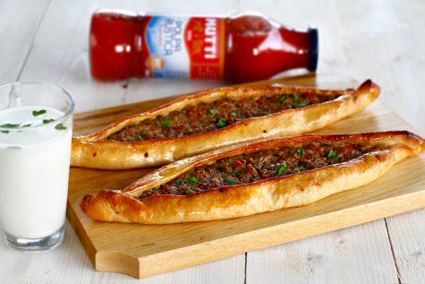 pide turcesti reteta de pizza turceasca pide cu carne de vita si legume