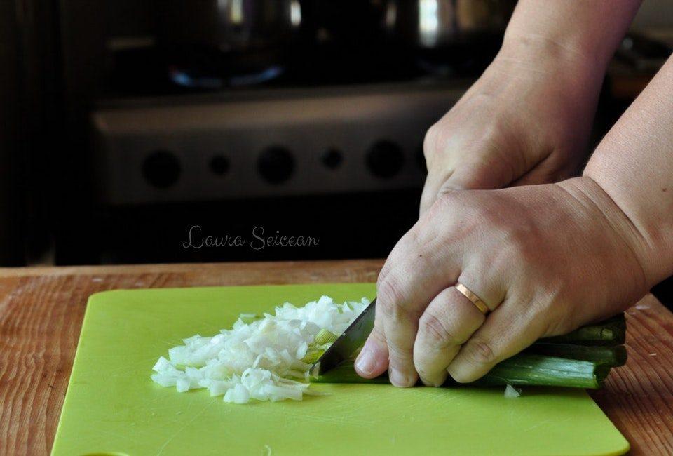 Preparare Mâncare de dovlecei - țușpais - ciușpais - cu smântână și mărar 6