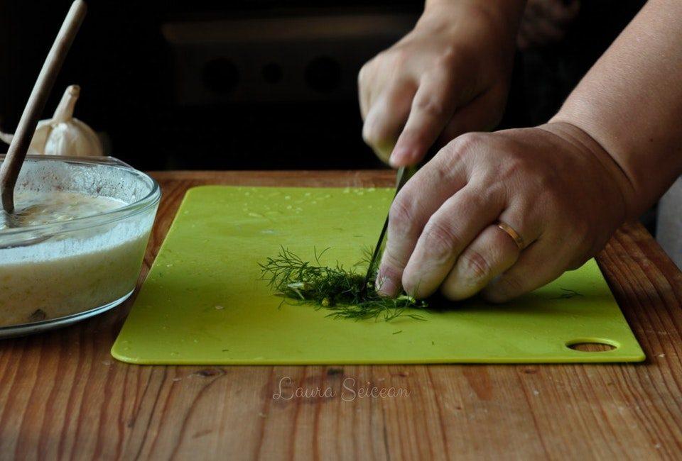 Preparare Mâncare de dovlecei - țușpais - ciușpais - cu smântână și mărar 11