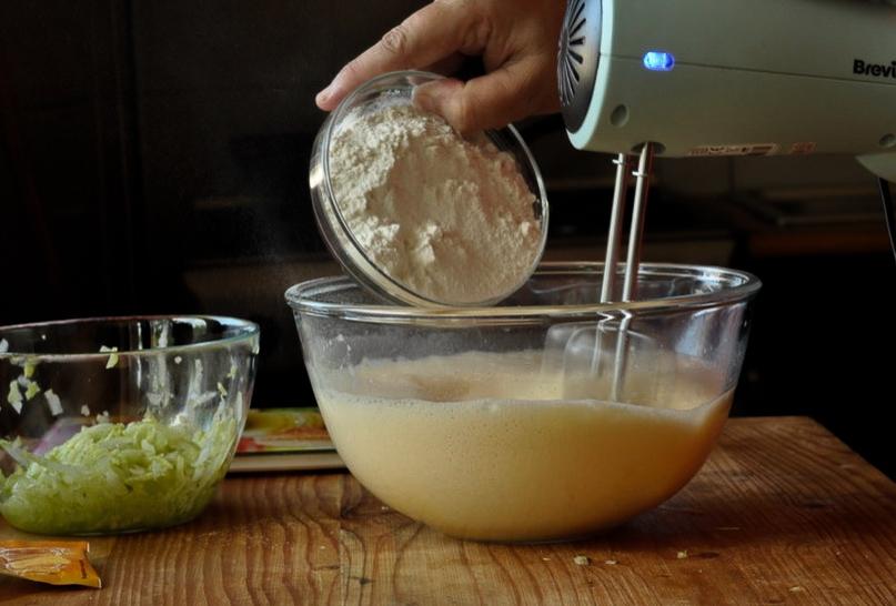 Preparare Brioșe aperitiv cu dovlecei 5