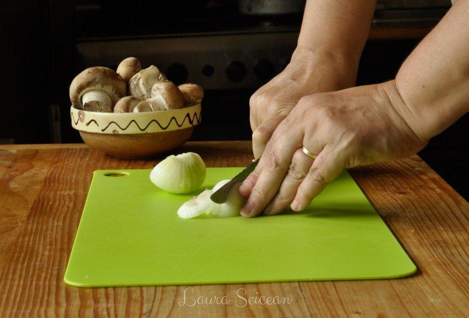 Preparare Omletă cu ciuperci 1