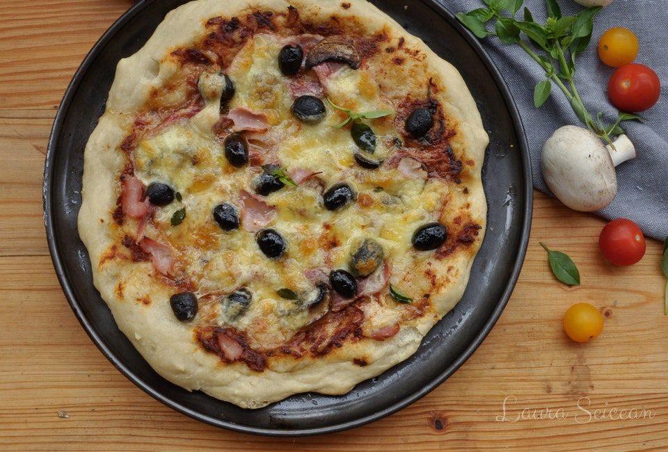 Preparare Pizza Capriciosa 8