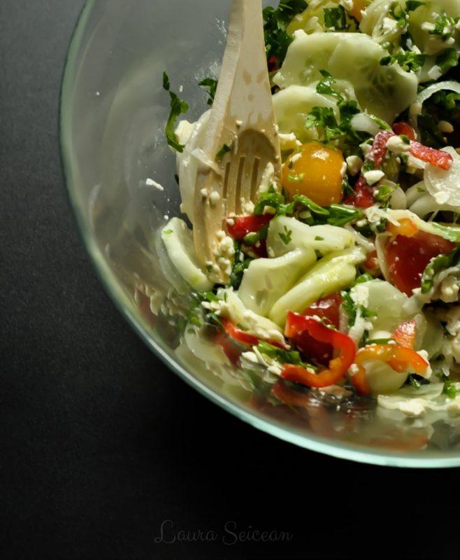 Preparare Salată bulgărească 9