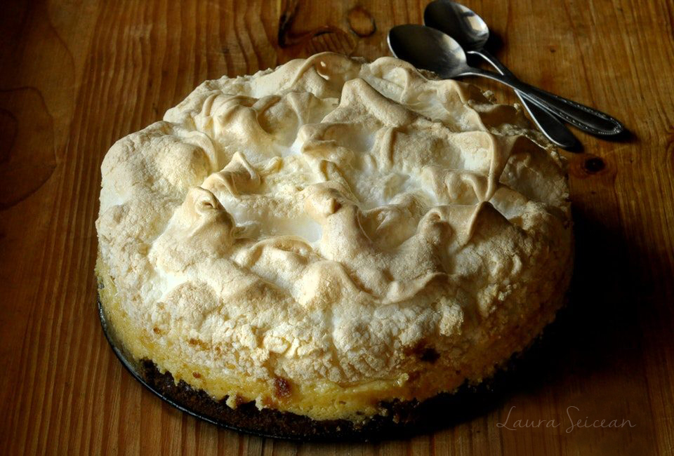 tarta de lamaie cu bezea reteta pas cu pas tarta cu lamaie si bezea gata de servire