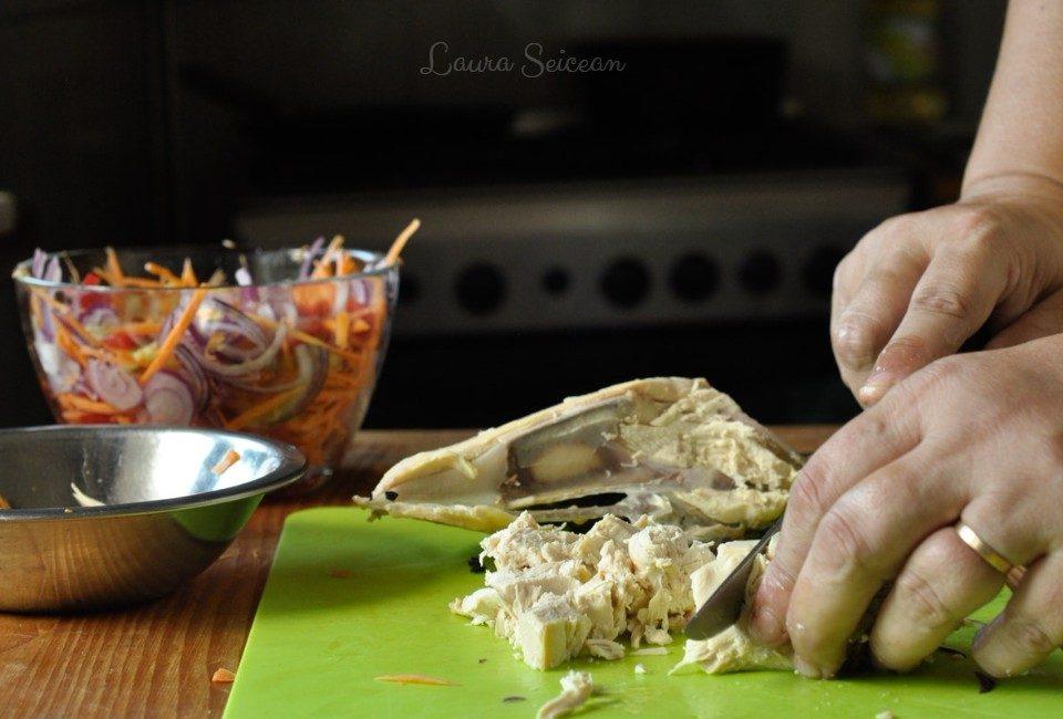 Preparare Salată cu piept de pui și legume 11