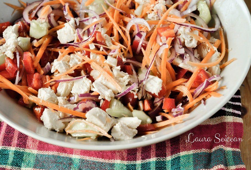 Preparare Salată cu piept de pui și legume 16