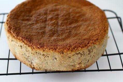 Blat de tort pandișpan cu nucă – rețetă de bază