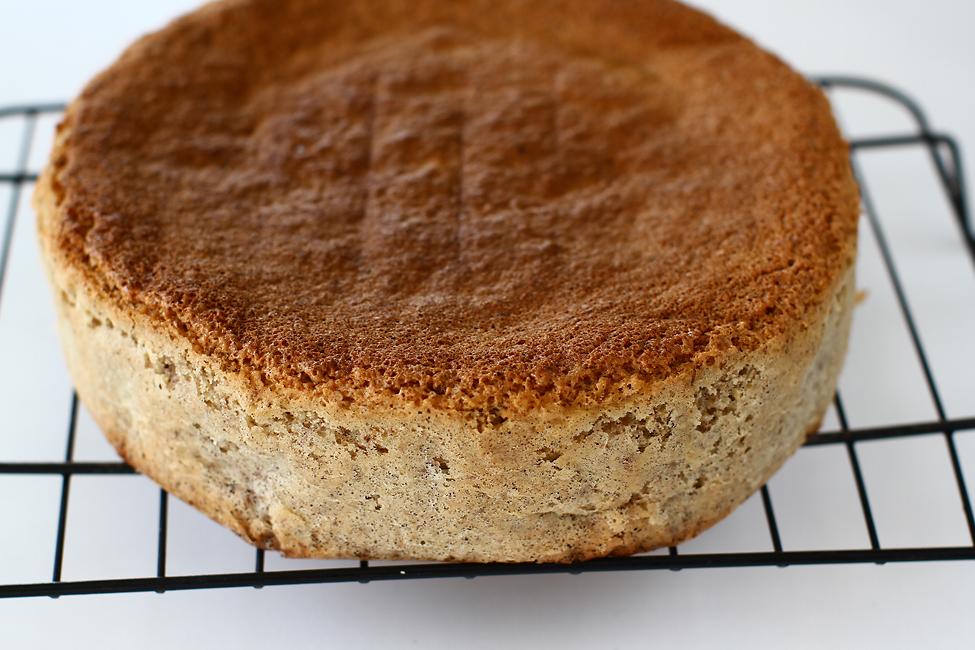 Blat de tort pandișpan cu nucă - rețetă de bază