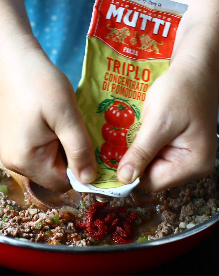 vinete umplute cu carne la cuptor vinete karnyarik adaugare pasta de rosii