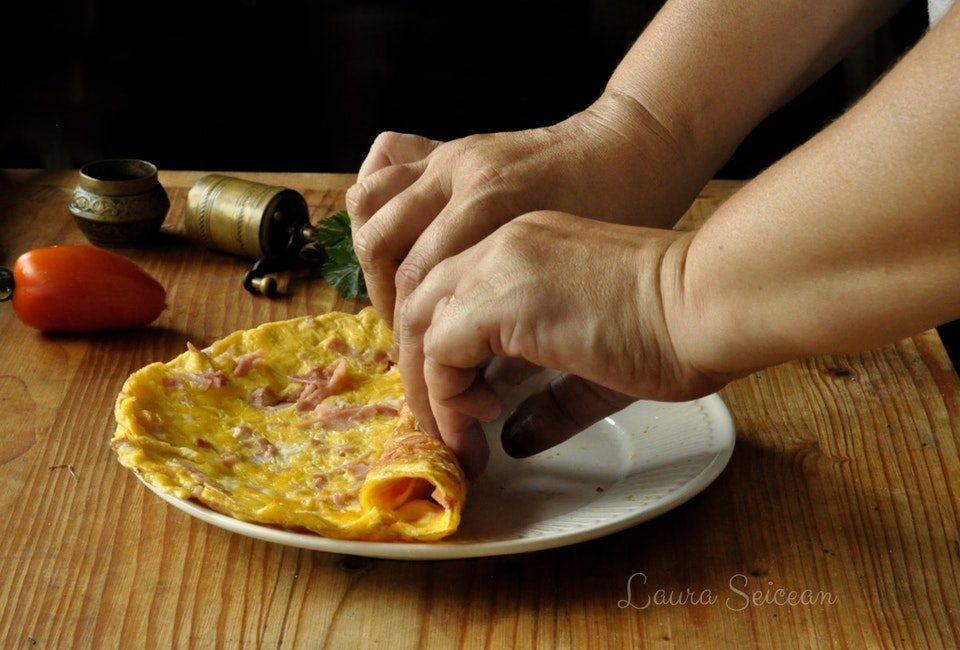 Preparare Omletă cu șuncă 7