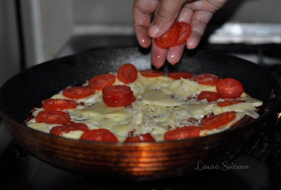 Preparare Pizza la tigaie 8