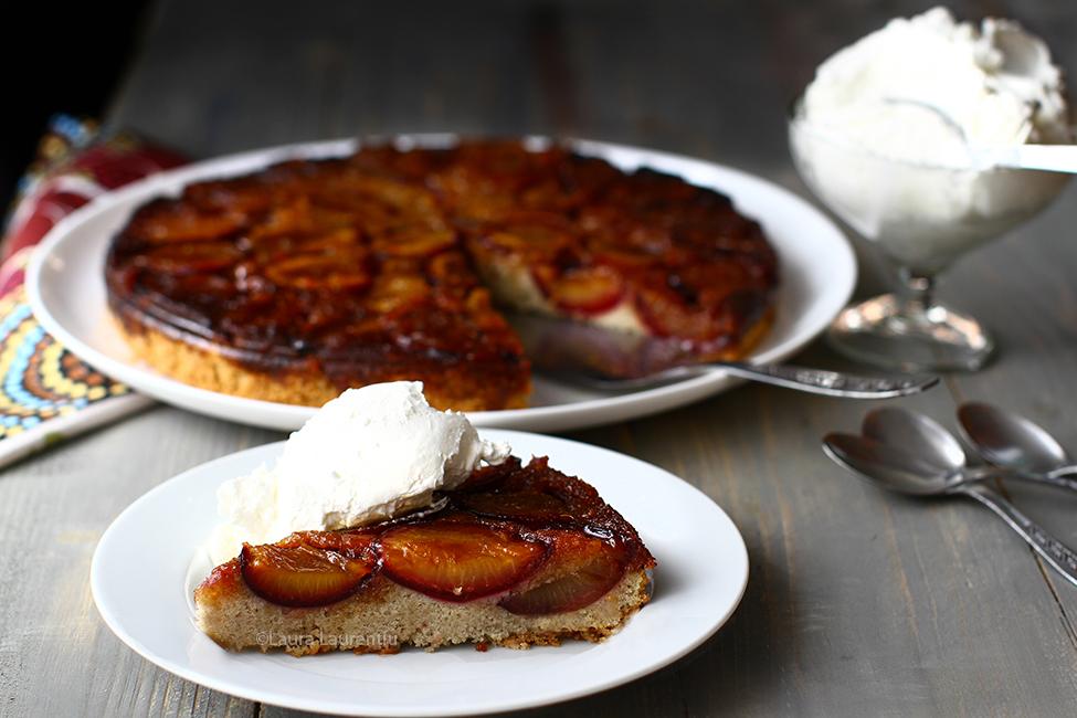prajitura rasturnata cu pruna caramelizate reteta de prajitura cu prune si zahar ars rasturnata