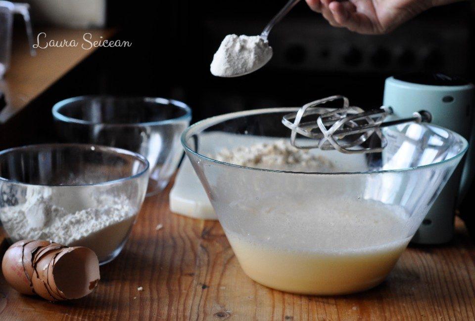 Preparare Brioșe aperitiv cu piept de pui 2