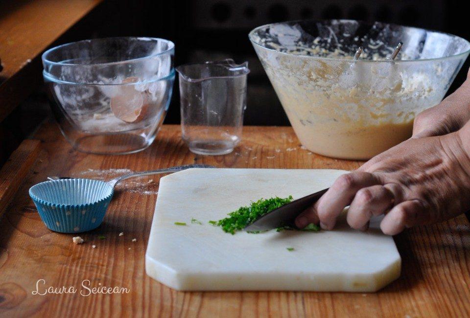 Preparare Brioșe aperitiv cu piept de pui 5