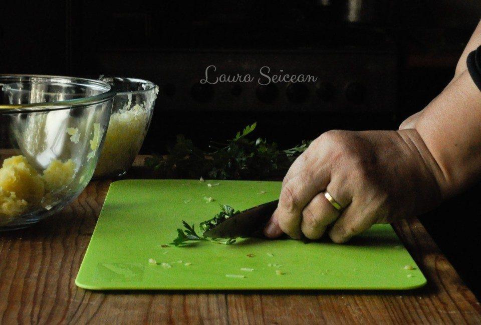 Preparare Chiftele de legume 8
