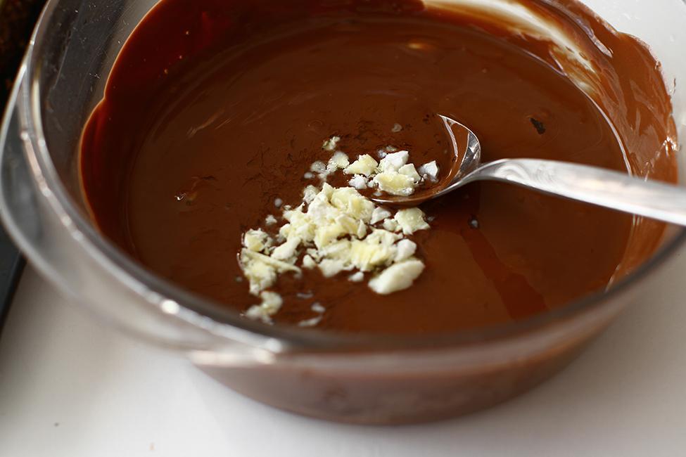 ciocolata topita pentru galzura cu unt de cacao