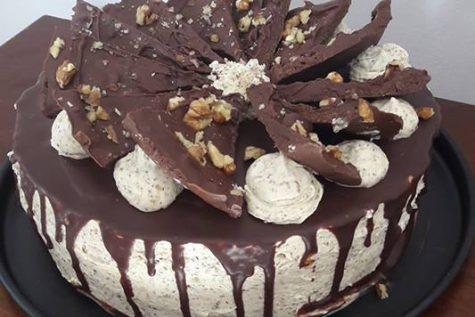 Tort cu nucă și ciocolată făcut de Gaspar Cristinna