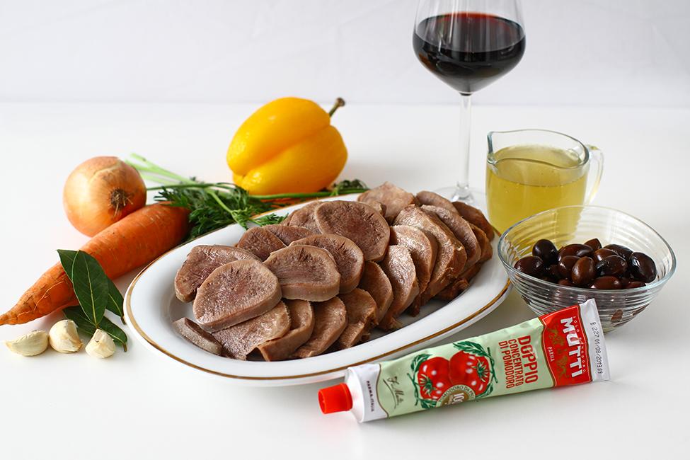 limba cu masline si sos de rosii ingrediente