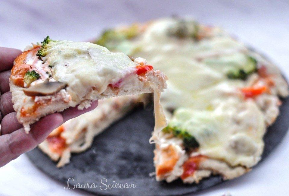 Preparare Pizza cu piept de pui și smântână 8