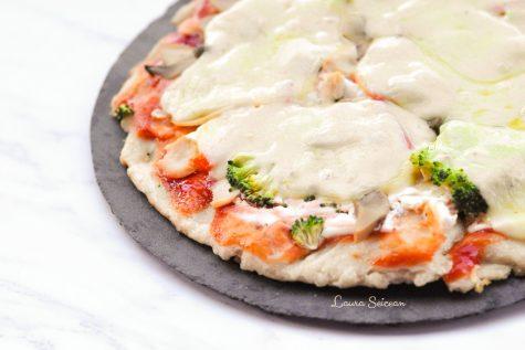 Pizza cu piept de pui și smântână