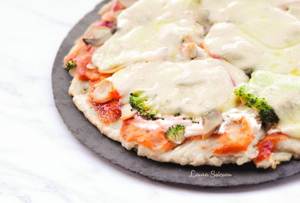Preparare Pizza cu piept de pui și smântână 9