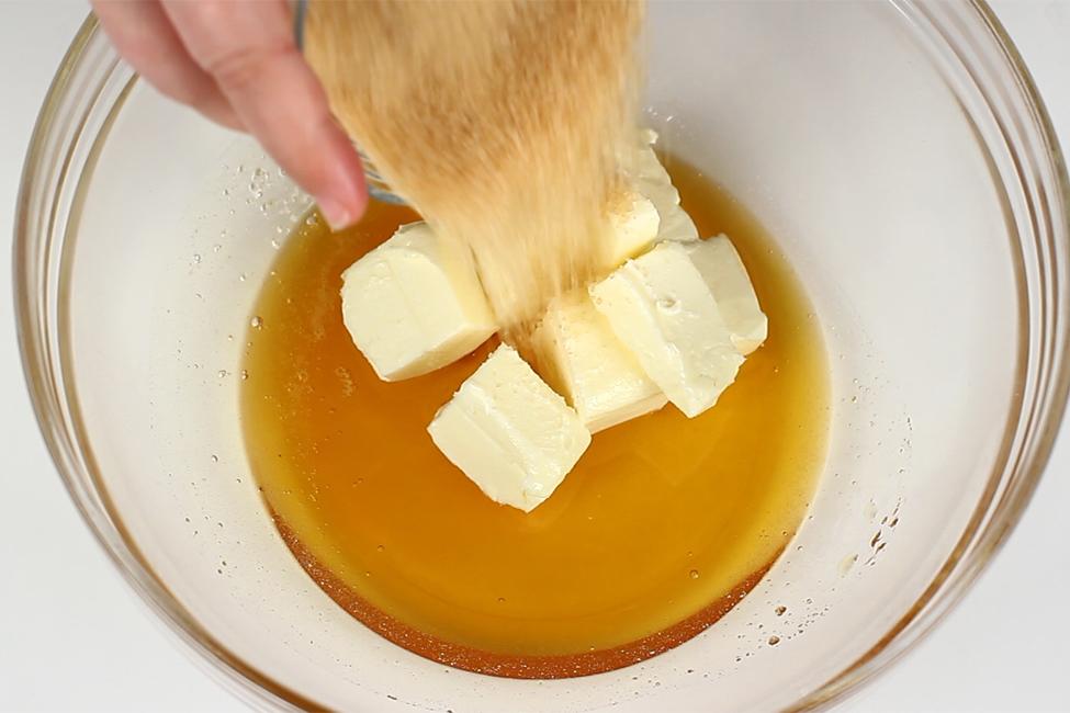 reteta turta dulce glazurata pas cu pas adaugare ingrediente