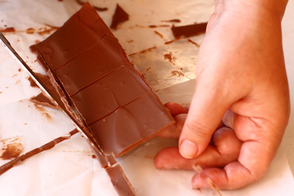 decor de ciocolata pentru tort de ciocolata cu vin rosu reteta pas cu pas