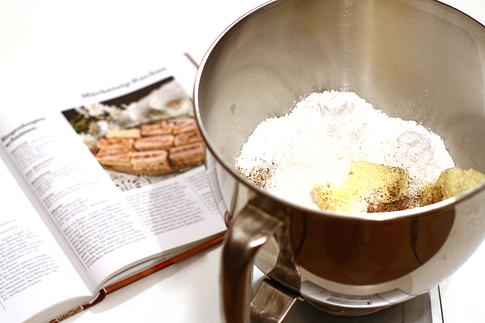 prajitura curcubeu regenbogen schnitte reteta pas cu pas cantarire ingrediente