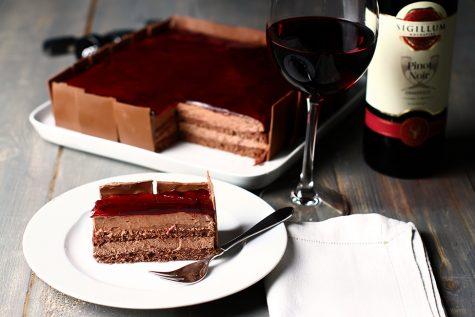 Tort de ciocolată cu vin roșu