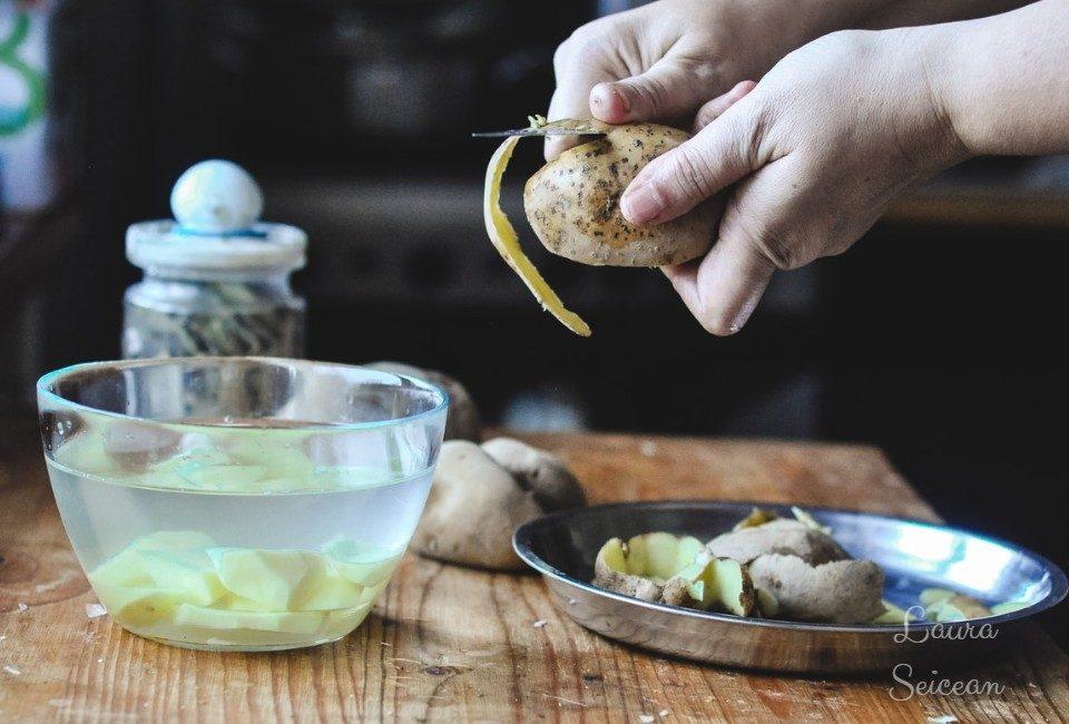 Preparare Supa-cremă de usturoi cu cartofi 6
