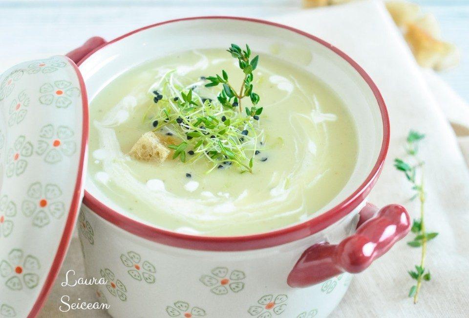 supa-cremă de cartofi cu usturoi