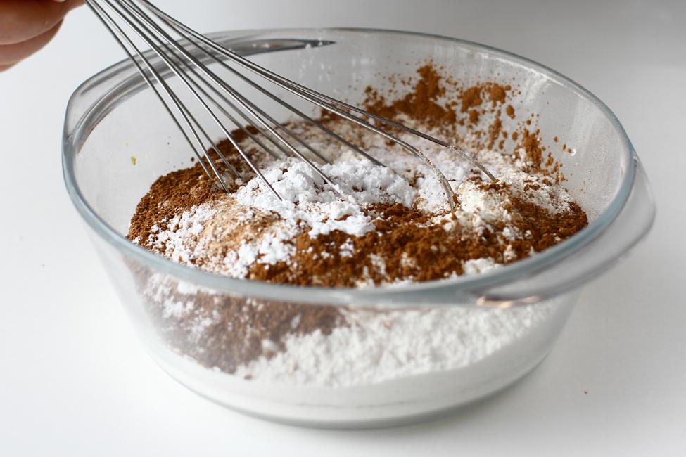 ingrediente uscate pentru tort de morcovi
