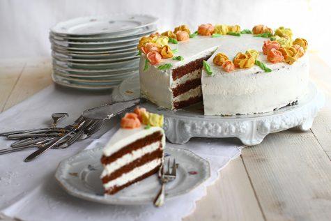 Tort de morcovi cu cremă vanilată de mascarpone
