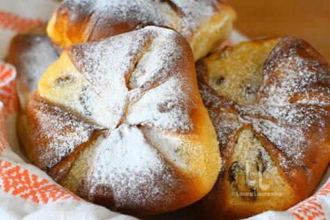 Brânzoaice rețeta video – plăcinte poale-n brâu