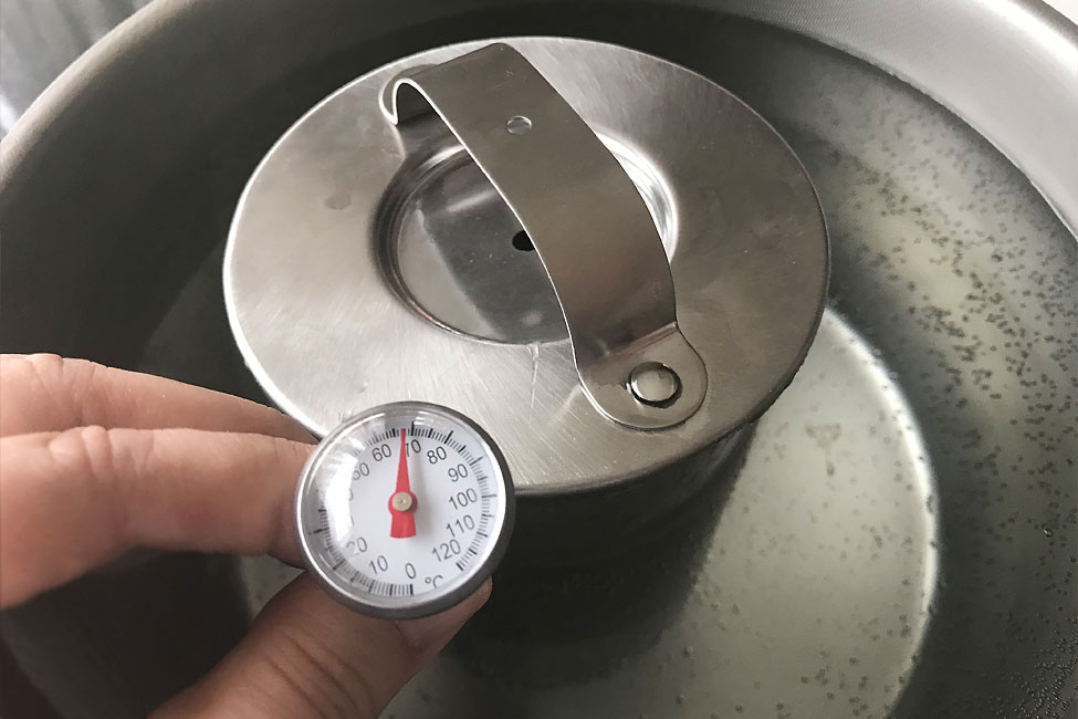 masurare temperatură apa