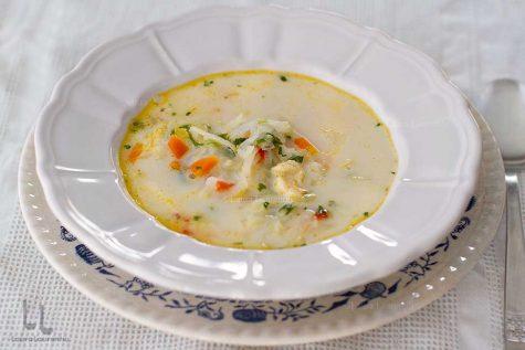 Supă de gulii cu găluște de făină