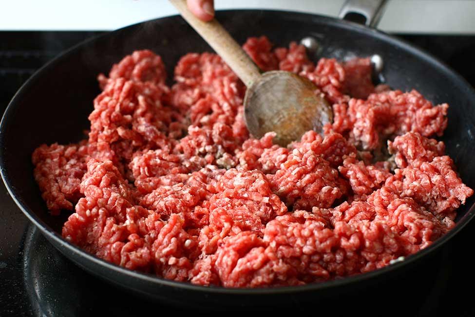 carne de vita in tigaie