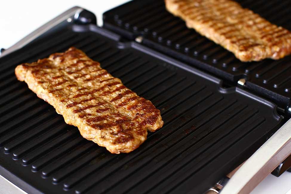 gatire carne pe gratarul heinner