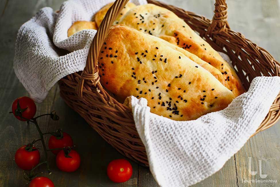 Pâine pentru panini, kebab sau diferite sandwich-uri - rețetă simplă